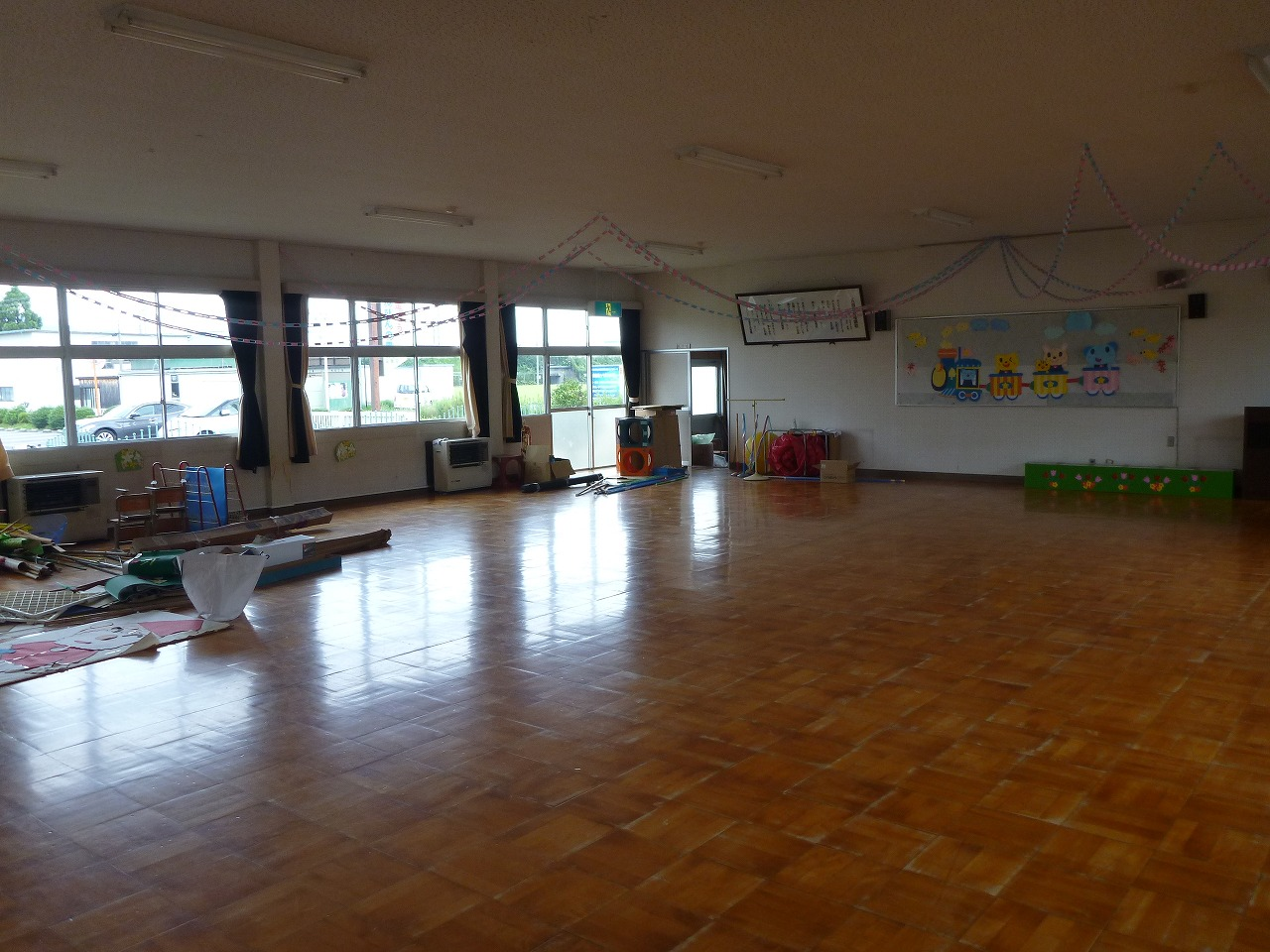遊戯室 1 (既存園舎).jpg