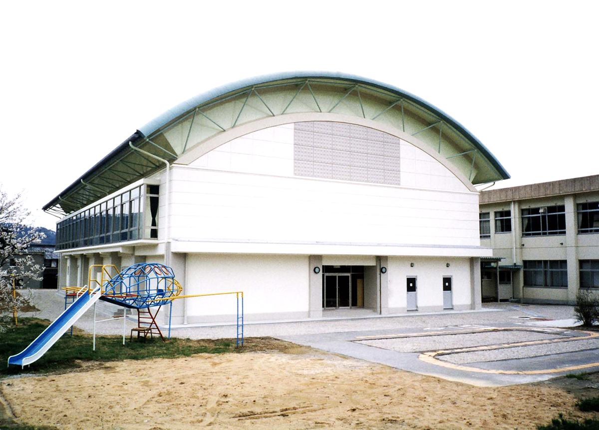田根小学校体育館