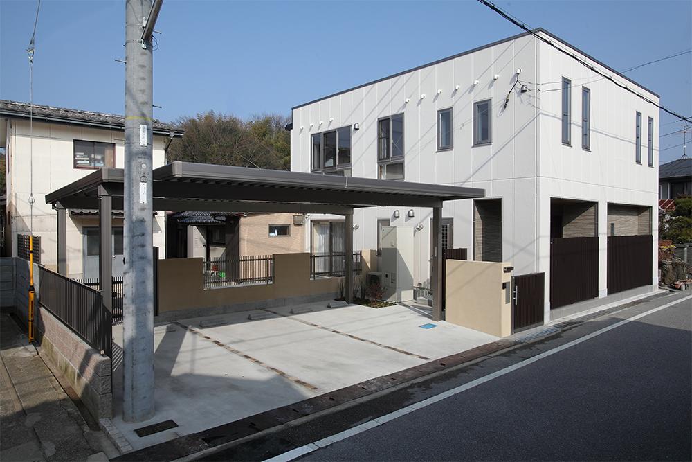 七曲り通りに建つ リノベーション住宅